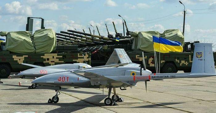 Tổ hợp phòng không Osa của Donbass không thể chống lại Bayraktar TB2 Ukraine