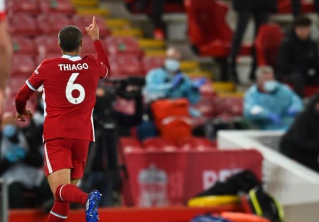 Ăn mừng lạ sau khi ghi bàn, Thiago tiết lộ lý do