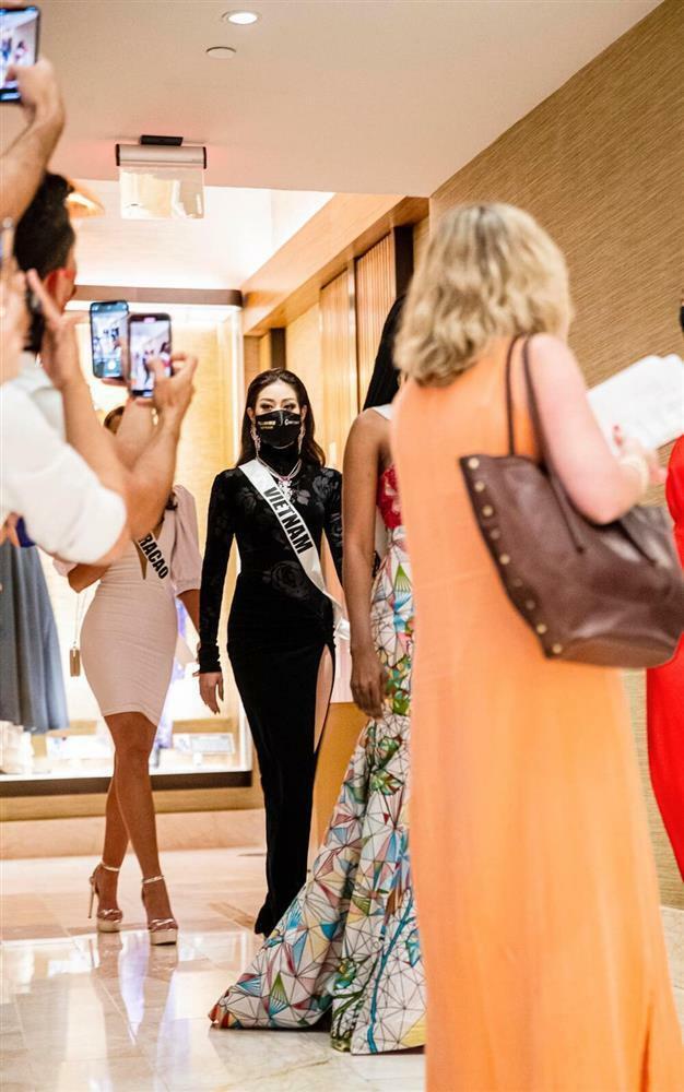 Hé lộ đầm dạ hội Khánh Vân 'chặt chém' ở bán kết Miss Universe