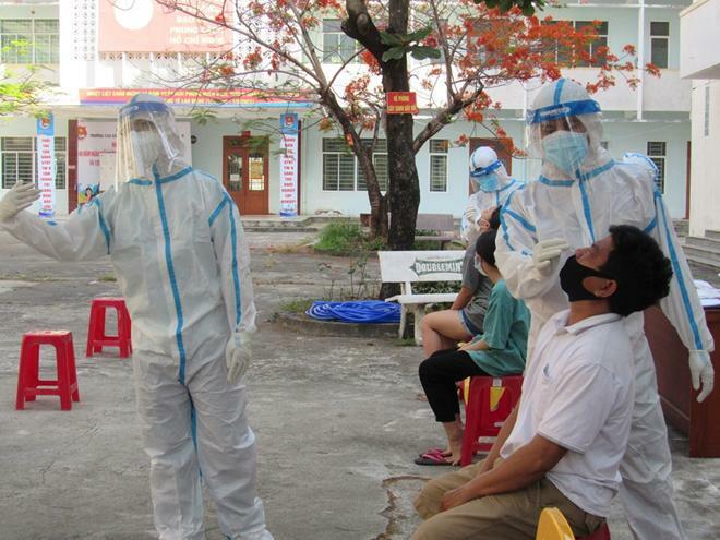 Đà Nẵng: Xét nghiệm SARS-CoV-2 cho hơn 65.400 người lao động tại các KCN