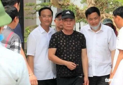 """Vụ nổ súng ở Nghệ An, 2 người chết: Đại tá công an tiết lộ giây phút Cao """"Tỷ phú"""" đầu thú"""