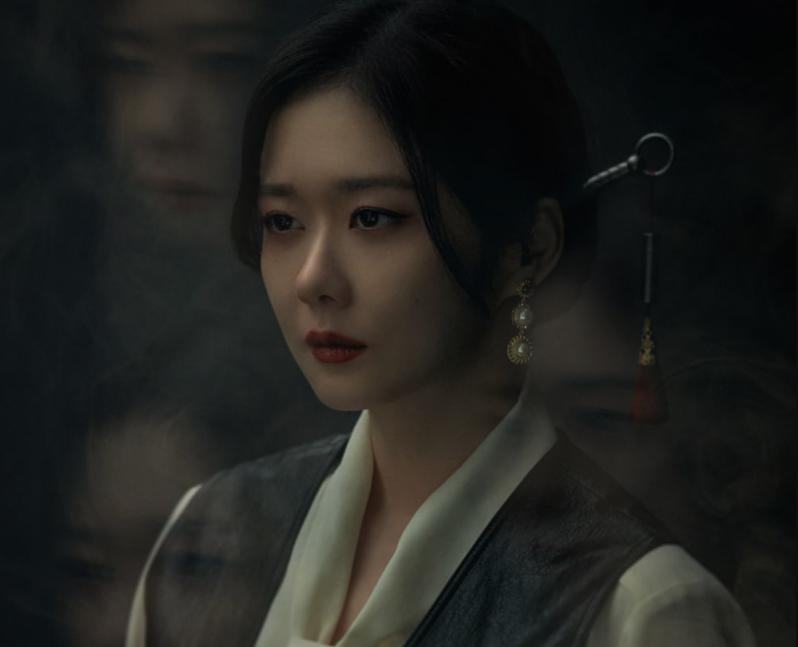 Mỹ nhân 40 tuổi Jang Na Ra xinh đẹp và trẻ trung trong phim trừ tà ma - ảnh 1
