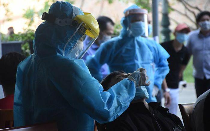 Đà Nẵng xét nghiệm cho gần 1.400 người làm việc tại Trung tâm hành chính