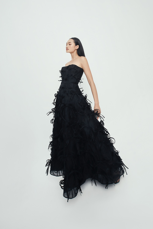 BST Thu Đông 2021 của Công Trí trên Vogue tôn vinh thiết kế tinh xảo