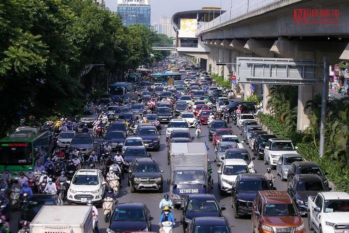 Giao thông Hà Nội ùn tắc ngày đầu tuần
