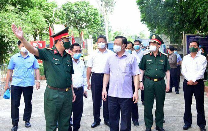 Bí thư Thành ủy Hà Nội Đinh Tiến Dũng: Cần lắm sự hỗ trợ của những tấm lòng vàng