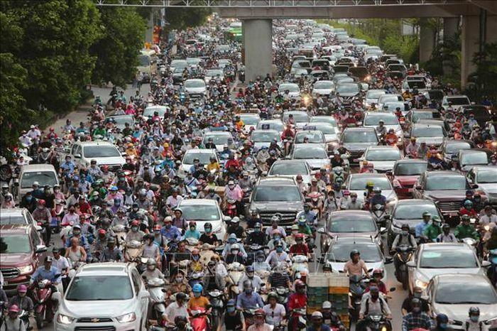 Thực hiện lộ trình áp dụng tiêu chuẩn khí thải đối với phương tiện giao thông cơ giới đường bộ
