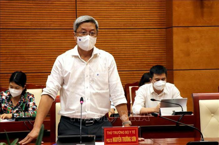 Bộ Y tế đồng ý tiếp nhận 3 bệnh nhân COVID-19 nặng ở Bắc Ninh lên tuyến trên