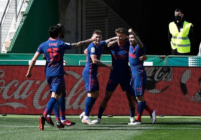 Atletico Madrid tạo khoảng cách 5 điểm với Barca