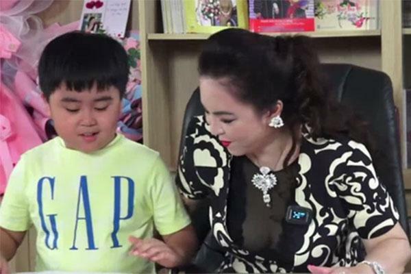 Xuất hiện loạt kênh Youtube giả mạo con trai bà Phương Hằng