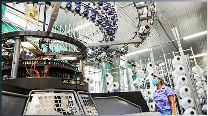 Viện Nghiên cứu Dệt may sản xuất thử nghiệm vải có độ cách nhiệt cao