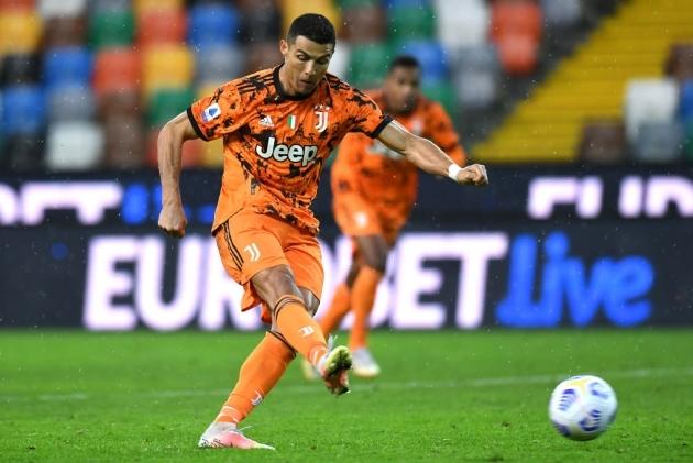 """Chỉ cần 6 phút, Ronaldo cứu Juventus thoát """"cửa tử"""""""