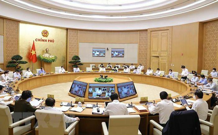 Nghị quyết chính phủ: Vừa chống dịch vừa phát triển kinh tế