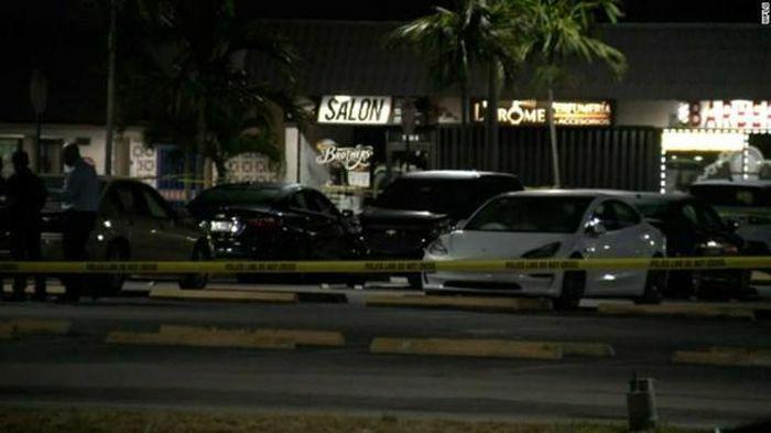 Xả súng tại Florida làm 2 người thiệt mạng và hơn 20 người bị thương