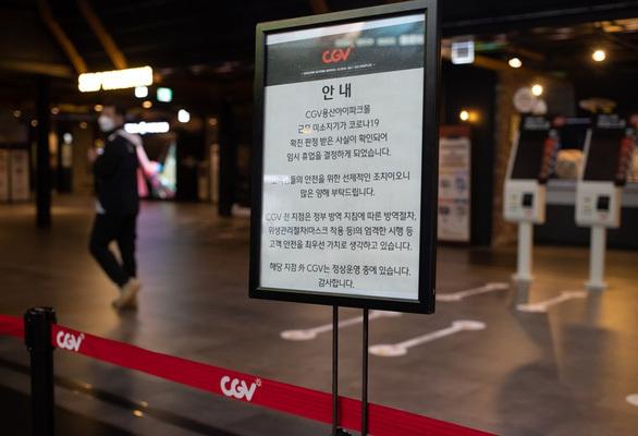 CGV đóng 30% rạp ở Hàn, các rạp phim thế giới loay hoay… chờ chết?