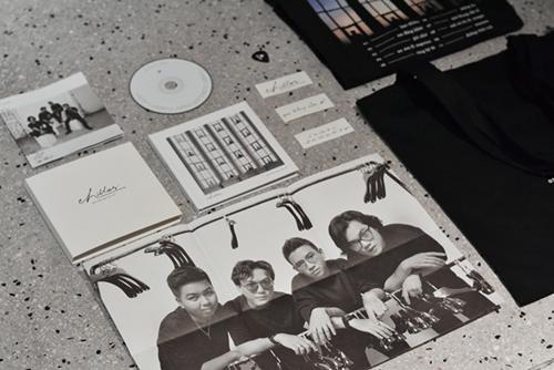 Chillies phát hành album đầu tiên, chạm mốc pre-order 1000 bản