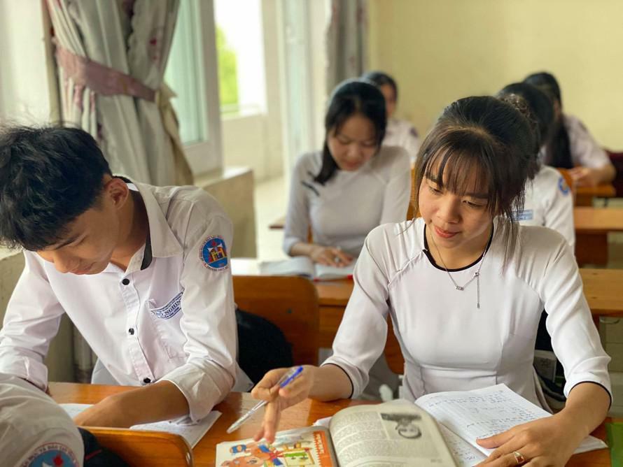 Dịch COVID-19 diễn biến phức tạp, hàng loạt địa phương đóng cửa trường học