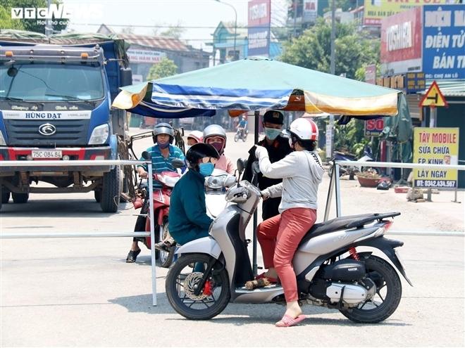 Ảnh: Đời sống bên trong 3 thôn, xã ở Thừa Thiên – Huế bị phong toả vì COVID-19