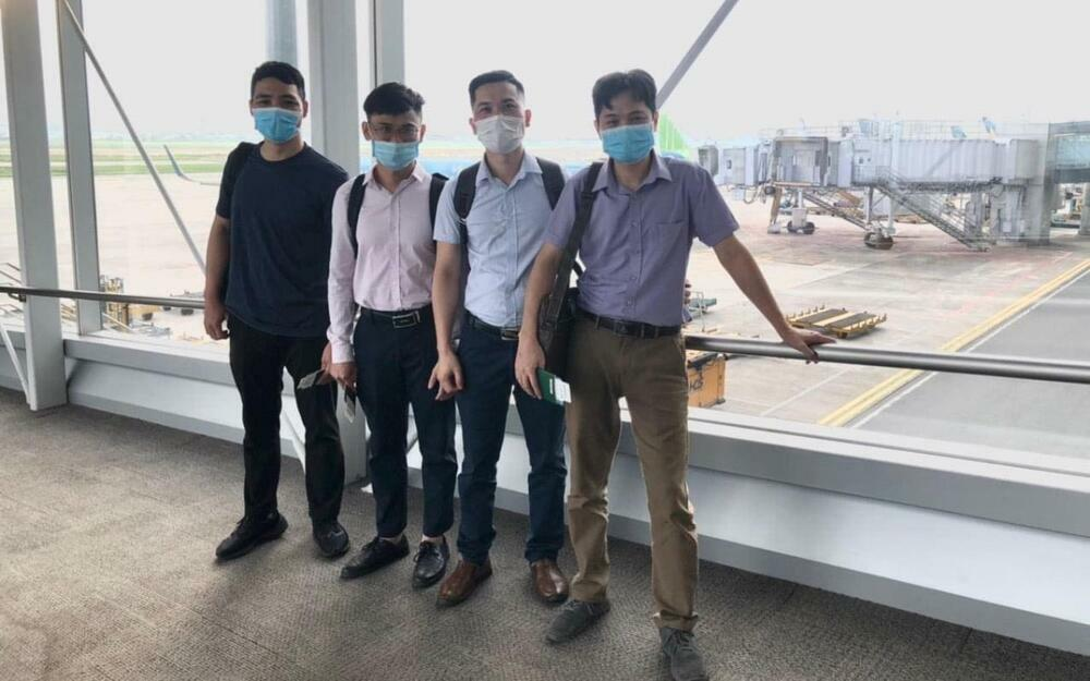 Bệnh viện Bạch Mai cử 4 chuyên gia sang Lào hỗ trợ chống dịch Covid-19 - ảnh 1