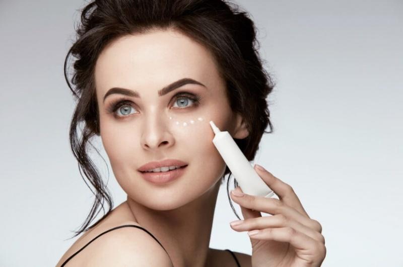 Top 10+ kem trị thâm quầng mắt đang được 'săn lùng' hiện nay