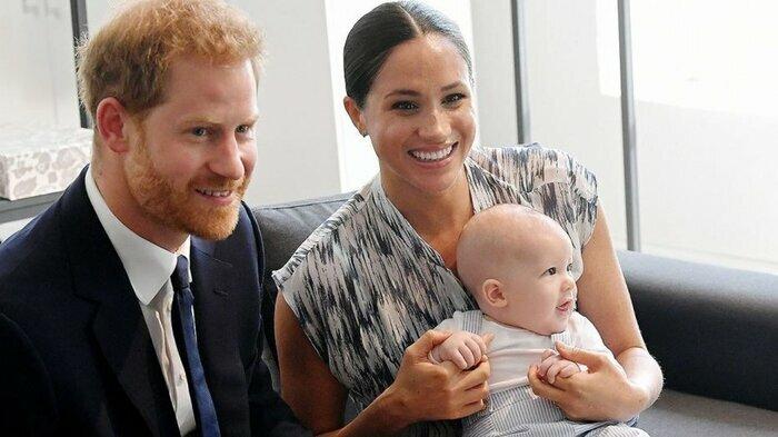"""Hoàng tử Harry lại có phát ngôn gây sốc, ví việc sống trong Hoàng gia """"như trong sở thú"""""""