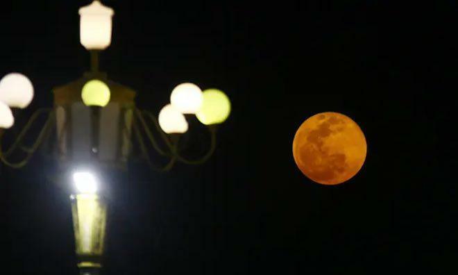 Người Việt Nam sẽ thấy siêu trăng máu vào đêm mai (26/5)