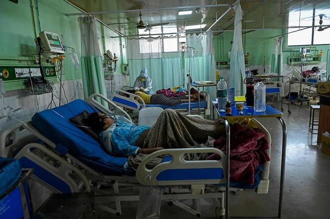 Chuyên gia Ấn Độ: Một số bệnh nhân mắc Covid-19 bị nhiễm thêm virus khác có thể gây mù lòa, tử vong