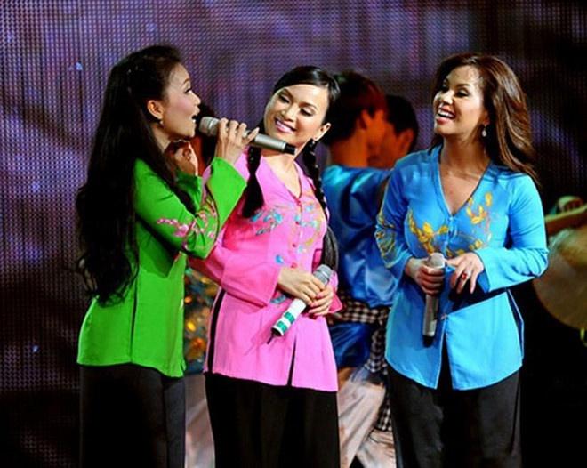 Minh Tuyết hé lộ hình ảnh lúc bé của Cẩm Ly, Hà Phương