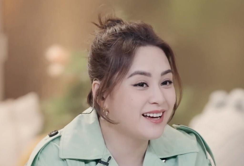Sau đổ vỡ hôn nhân, Chung Hân Đồng vẫn tin vào tình yêu - ảnh 1
