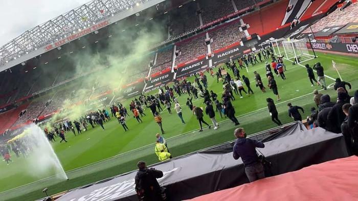 Trận đại chiến giữa MU và Liverpool bị lùi giờ vì sự cố khó đỡ