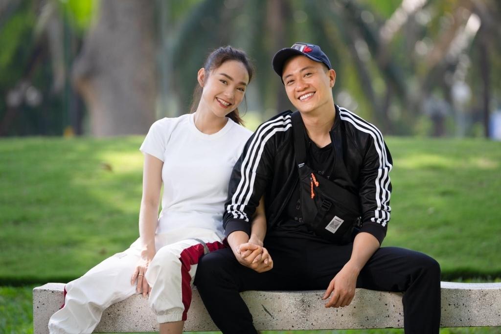 """Minh Hằng """"tái ngộ"""" Lương Mạnh Hải trong phim Việt hóa của Vũ Ngọc Đãng"""