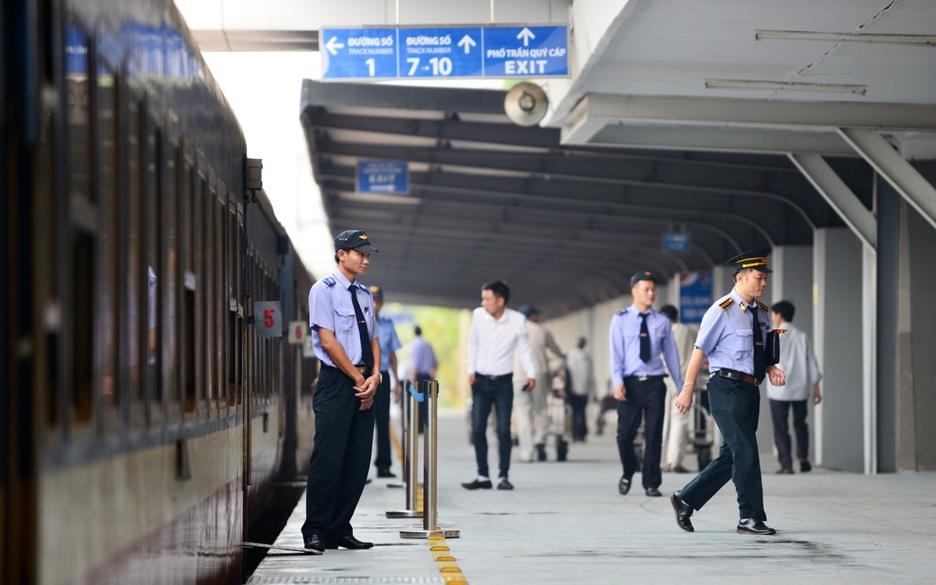 Giao Bộ GTVT đặt hàng bảo trì toàn tuyến đường sắt