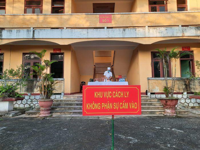 Quảng Nam: Cách ly 35 người là F1 của ca dương tính SARS-CoV-2 ở Đà Nẵng