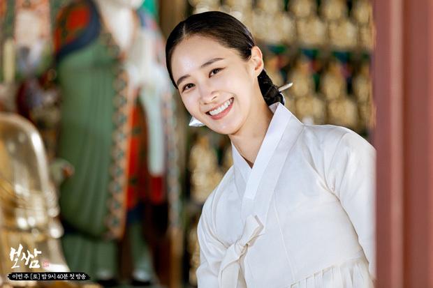 Bom tấn cổ trang của Yuri (SNSD) được netizen nức nở khen: Nội dung chuẩn mực, diễn viên lại cực xinh