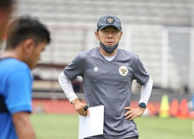 HLV Indonesia sợ học trò thiếu dinh dưỡng khi đấu tuyển Việt Nam