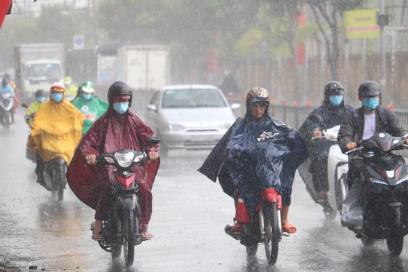 Miền Nam: Chiều nay mưa ào ạt