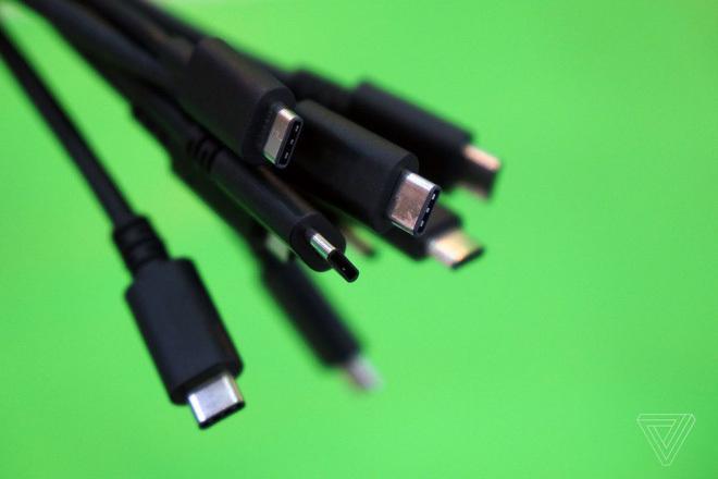 Cáp USB-C sẽ được nâng cấp từ 100W lên 240W, đủ công suất để sạc cho laptop cấu hình cao