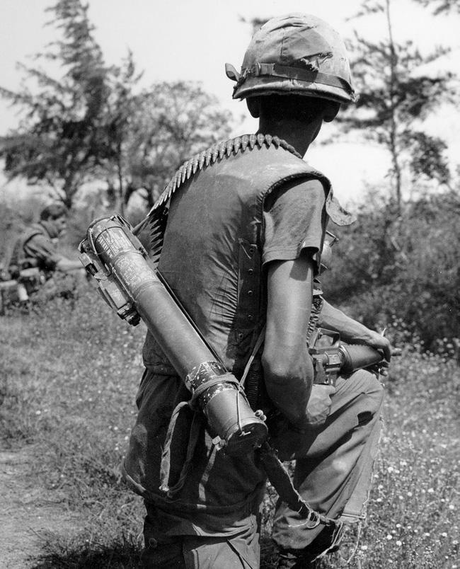 """Sự """"bất lực"""" của súng chống tăng M72 Mỹ ở chiến trường Việt Nam"""