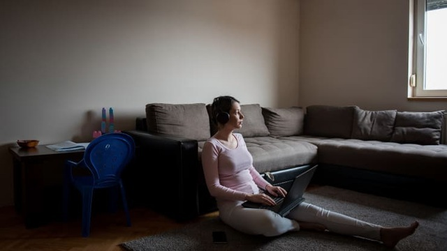 Phụ nữ toàn cầu mất 800 tỷ USD trong thu nhập năm 2020 vì dịch Covid-19 - ảnh 1