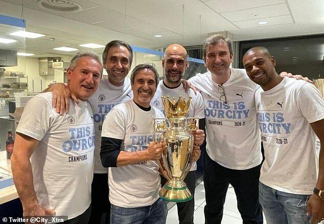 """""""No xôi chán chè"""", sao Man City muốn Champions League"""