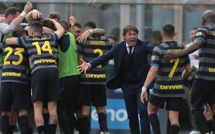 Inter Milan đăng quang ngôi vô địch Serie A sau 11 năm chờ đợi