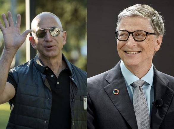 Vì sao tỉ phú Bill Gates và Jeff Bezos thích… rửa chén?