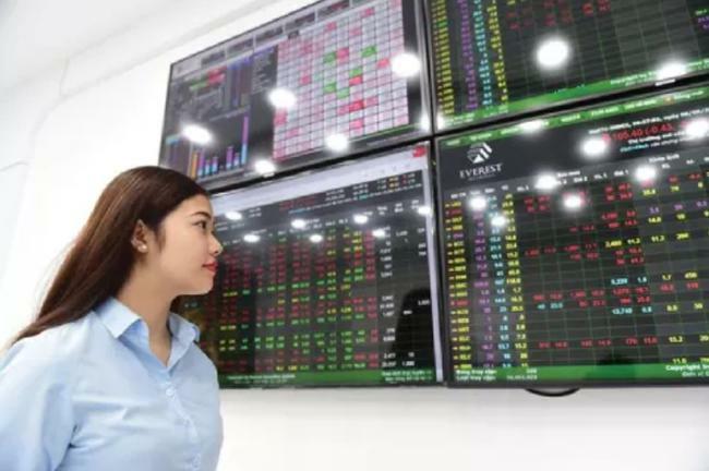 Dòng vốn ETF vào thị trường chứng khoán Việt Nam trong tháng 4 cao hơn cả vốn vào Trung Quốc
