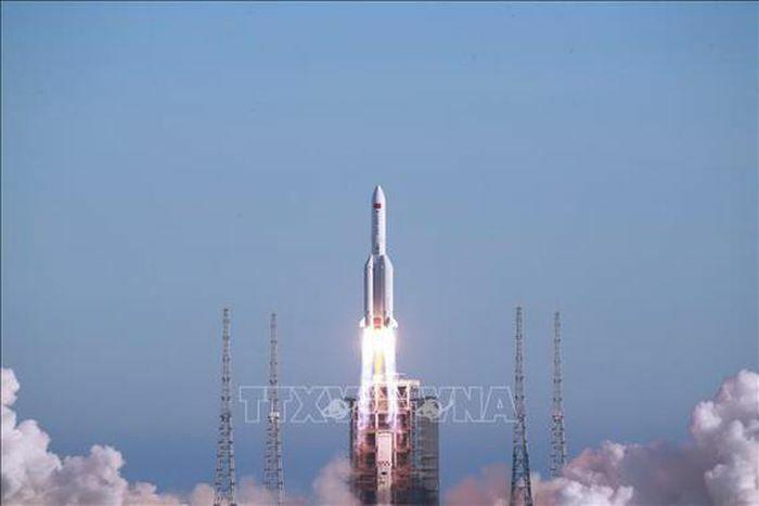 Nguy cơ tên lửa Trung Quốc rơi xuống Trái đất