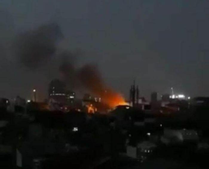  Hà Nội: Cháy dữ dội tại ngôi nhà ở ngõ phố Khâm Thiên