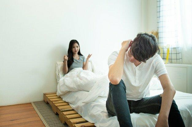 """Phụ nữ giận chồng rồi đòi ngủ riêng là đang """"dọn đường"""" cho kẻ thứ 3 """"đục nước béo cò"""""""