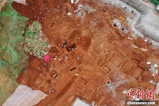 42 mộ cổ Trung Quốc vừa được phát hiện trên công trường: Đội khảo cổ bất ngờ khi thấy hình dáng lăng mộ!