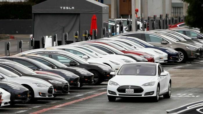 """Phá kỷ lục doanh số trong quý I, xe điện Tesla tiếp tục """"cháy hàng"""" trong quý II"""