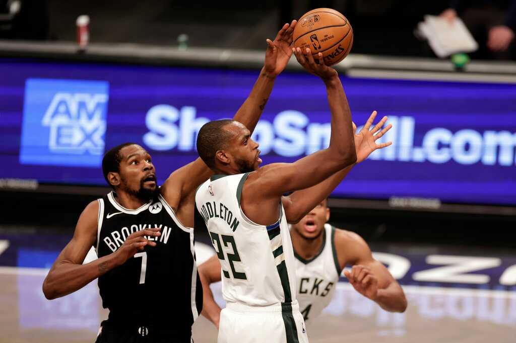 """Lịch thi đấu NBA 5/5: Thượng đỉnh Nets vs Bucks 2.0, """"Quái thú báo thù"""" Curry?"""