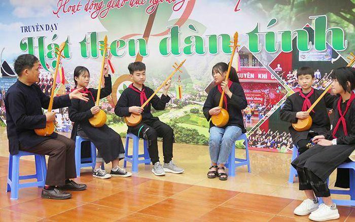 Lan tỏa phong trào hát then trong trường học